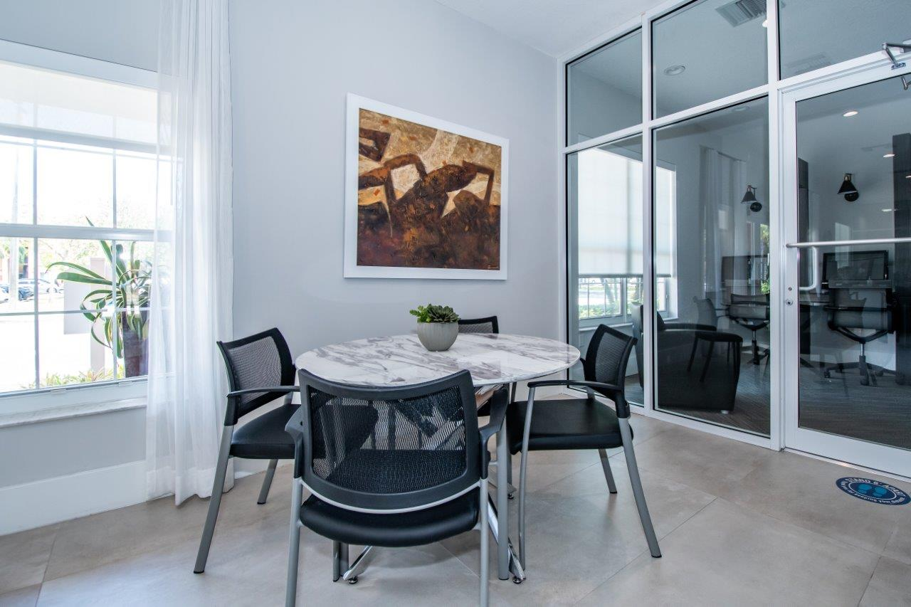 Zoom Gallery Legacy at Stirling property Image #17