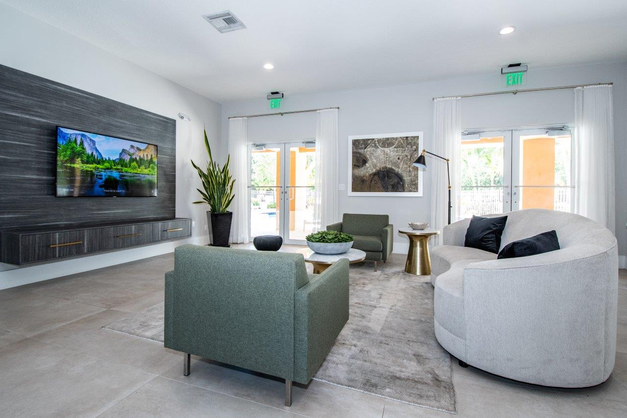 Zoom Gallery Legacy at Stirling property Image #15