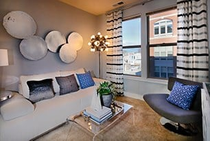 Studio, 1-, and 2-Bedroom Apartment Homes With 9-Foot Ceilings