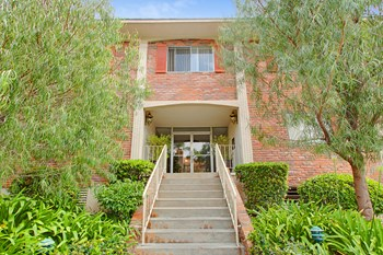 1342 Wellesley Ave 1-3 Beds Apartment for Rent Photo Gallery 1