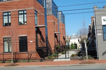 1708 W. Cary Street 2 Beds Apartment for Rent Photo Gallery 1