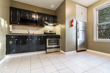 157 McAdoo Avenue 2 Beds House for Rent Photo Gallery 1