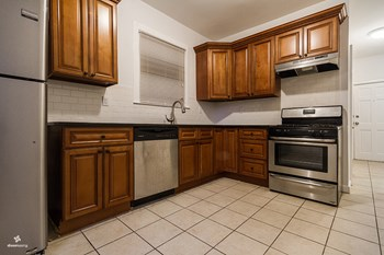 276 Winfield Avenue 2 Beds House for Rent Photo Gallery 1