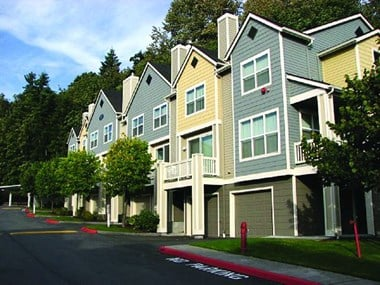 2100 Lake Washington Blvd. North 2-3 Beds Apartment for Rent Photo Gallery 1