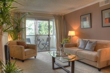 470 Saratoga Ave 1-2 Beds Apartment for Rent Photo Gallery 1