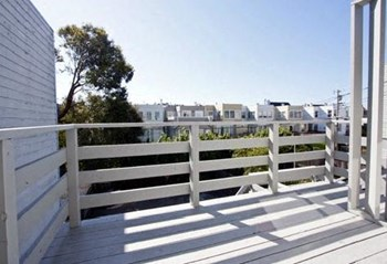 275-281 27th Avenue 2 Beds Apartment for Rent Photo Gallery 1