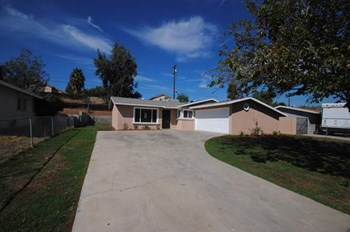 4171 Estrada Dr 3 Beds House for Rent Photo Gallery 1