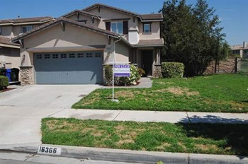 16366 Medinah St 4 Beds House for Rent Photo Gallery 1