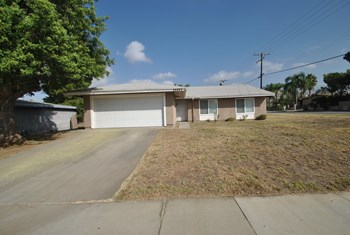 26892 14th St 4 Beds House for Rent Photo Gallery 1