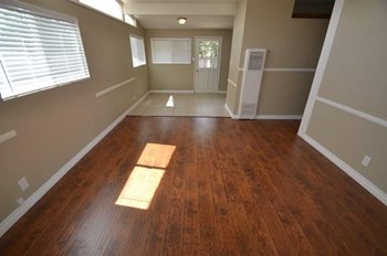 1423 N. Allyn Ave 3 Beds House for Rent Photo Gallery 1