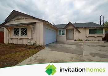 16745 Archwood St 3 Beds House for Rent Photo Gallery 1