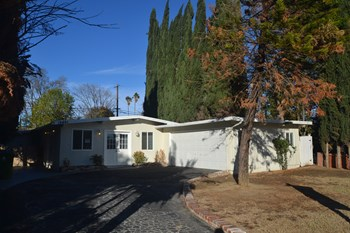 16461 McKeever St 4 Beds House for Rent Photo Gallery 1