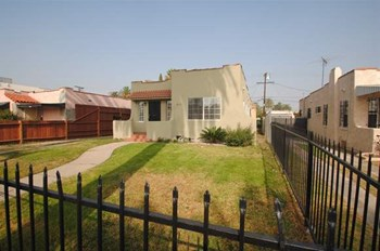 813 W 107th St 3 Beds House for Rent Photo Gallery 1