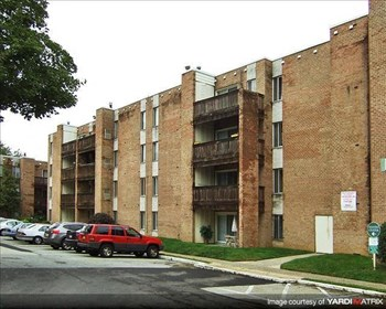 2301 Tremont Street 1-2 Beds Apartment for Rent Photo Gallery 1