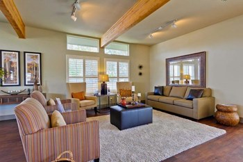 3819 Vineyard Avenue 1-3 Beds Apartment for Rent Photo Gallery 1