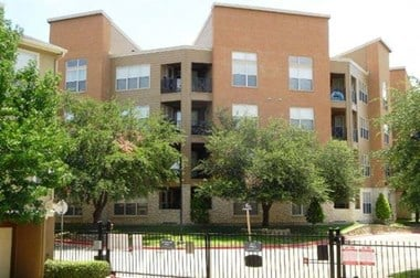 9215 Garland Rd. 1-2 Beds Apartment for Rent Photo Gallery 1