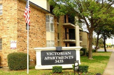 3435 Webb Chapel Extn 1-2 Beds Apartment for Rent Photo Gallery 1