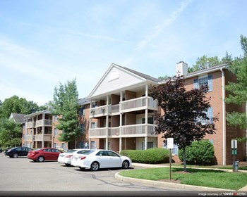 1305 Buckingham Gate Blvd. 1-2 Beds Apartment for Rent Photo Gallery 1