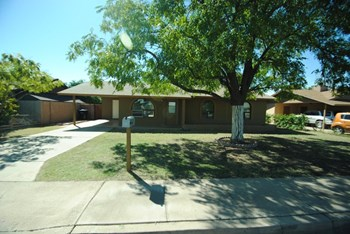 343 E. Bruce Ave 3 Beds House for Rent Photo Gallery 1