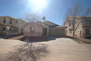 3035 E Santa Rosa Drive 3 Beds House for Rent Photo Gallery 1