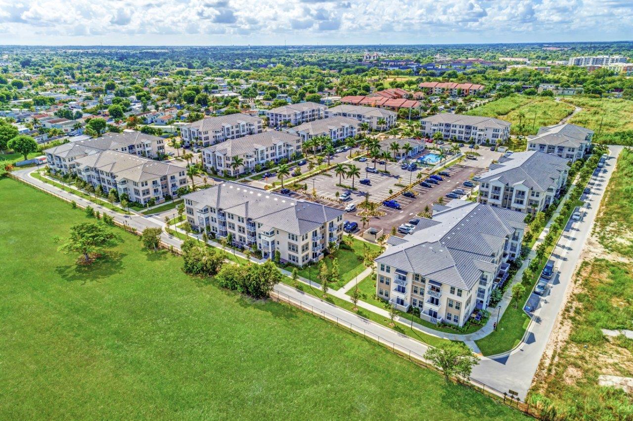 Zoom Gallery Alcazar Apartment Villas property Image #46
