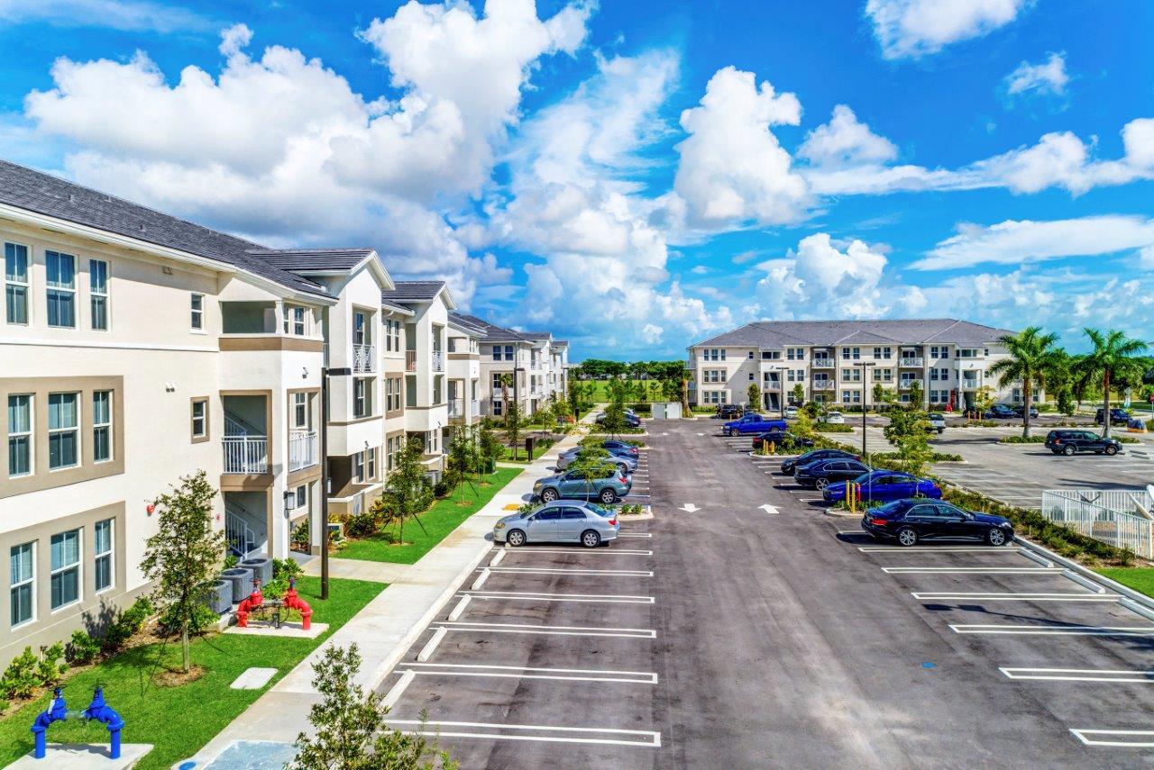 Zoom Gallery Alcazar Apartment Villas property Image #47