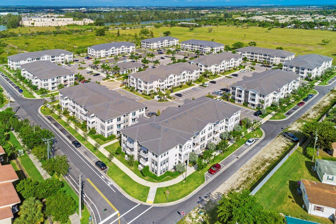 Zoom Gallery Alcazar Apartment Villas property Image #49