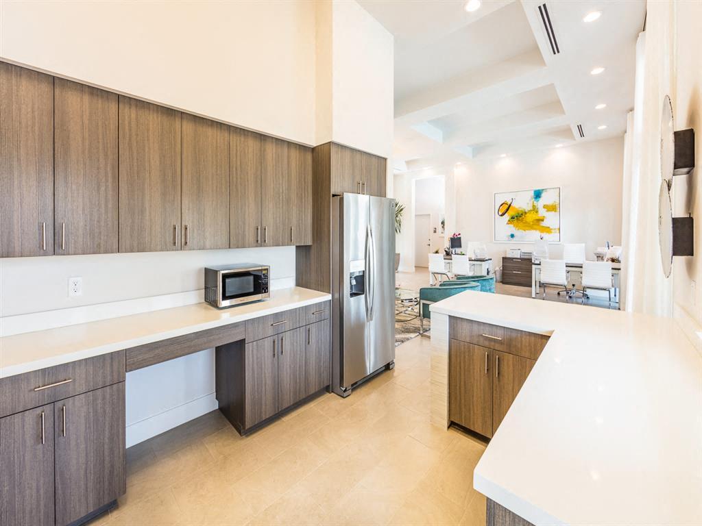 Zoom Gallery Alcazar Apartment Villas property Image #14