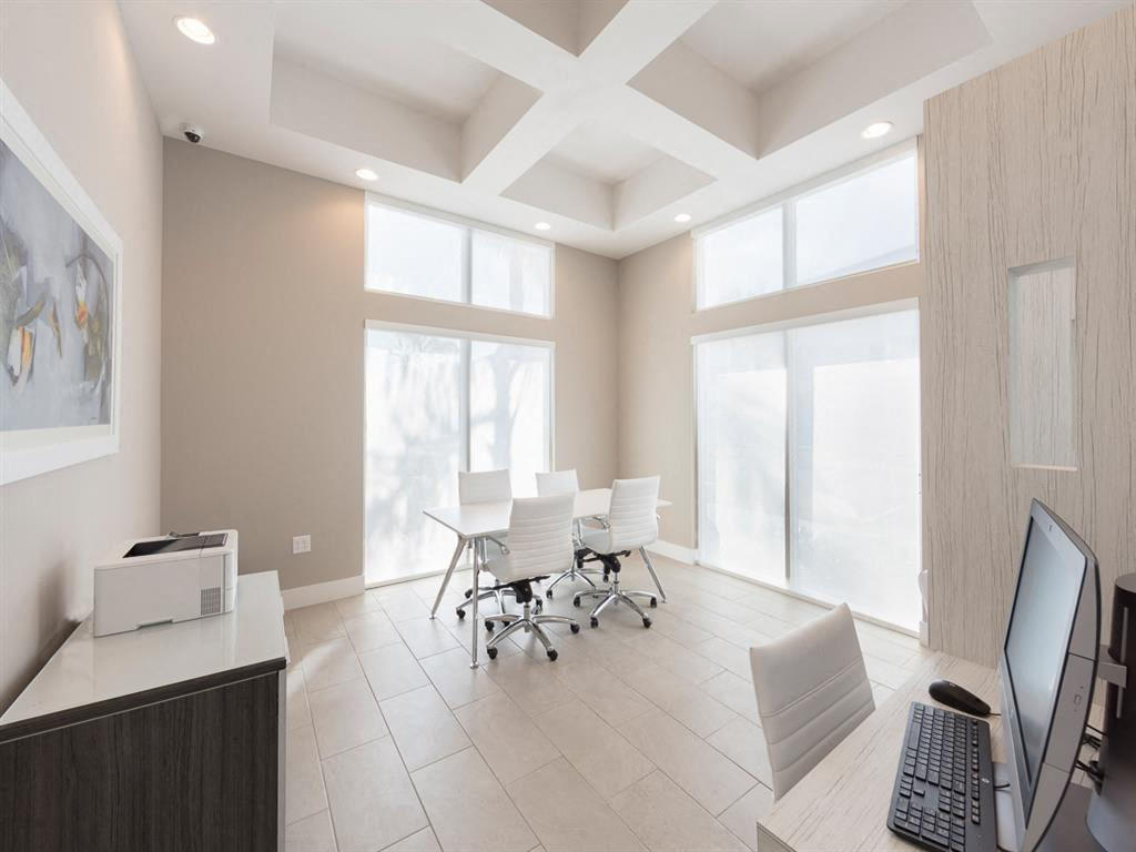 Zoom Gallery Alcazar Apartment Villas property Image #16