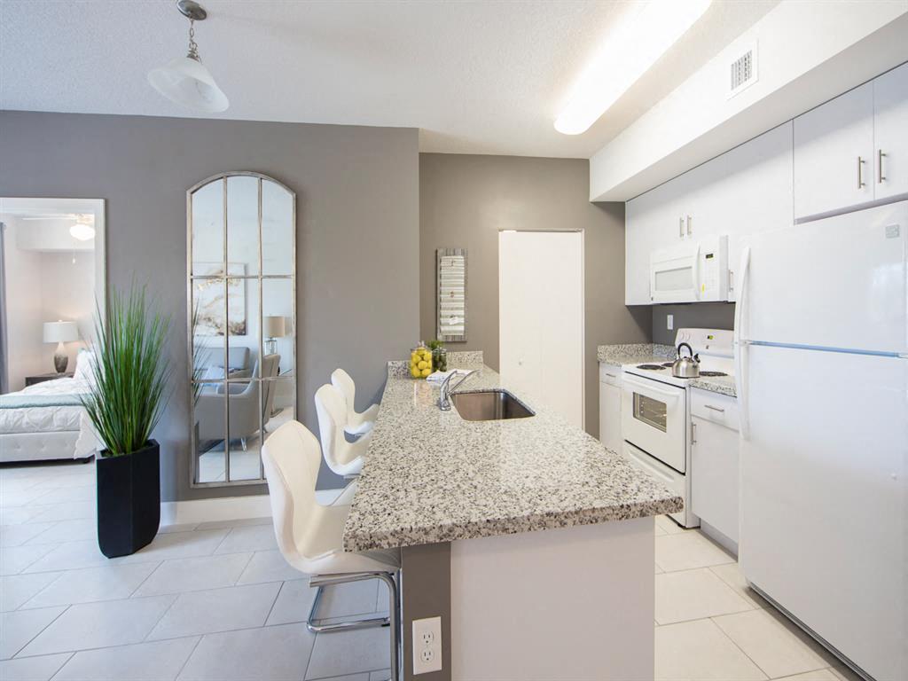 Zoom Gallery Alcazar Apartment Villas property Image #21