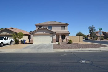 12541 W Myer Ln 3 Beds House for Rent Photo Gallery 1
