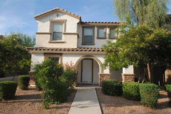5829 E Hoover Ave 4 Beds House for Rent Photo Gallery 1