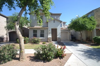 6610 W Hayes St 3 Beds House for Rent Photo Gallery 1