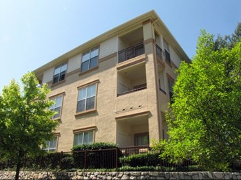2929 Kings Dr 1-3 Beds Apartment for Rent Photo Gallery 1
