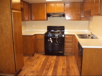 106 West Pennsylvania Ave 1-2 Beds Apartment for Rent Photo Gallery 1