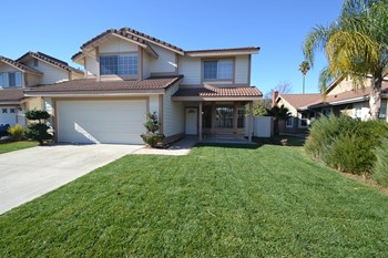 1140 N Mulberry 4 Beds House for Rent Photo Gallery 1