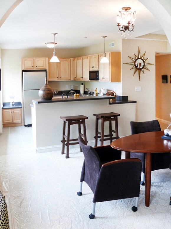Kitchen and dining area at Park Lane Villa Apartments in University Circle Cleveland