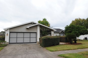 6088 Fall River Dr 3 Beds House for Rent Photo Gallery 1