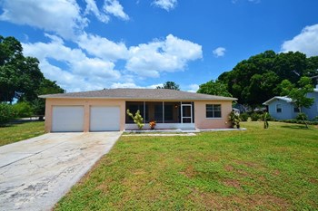 1715 Lake Shipp Drive N 3 Beds House for Rent Photo Gallery 1