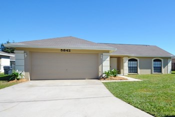 5842 Daughtery Down Loop 4 Beds House for Rent Photo Gallery 1