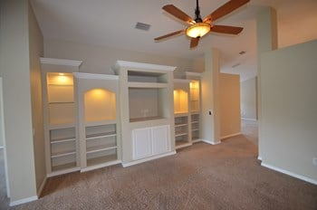 10547 San Travaso Dr 4 Beds House for Rent Photo Gallery 1