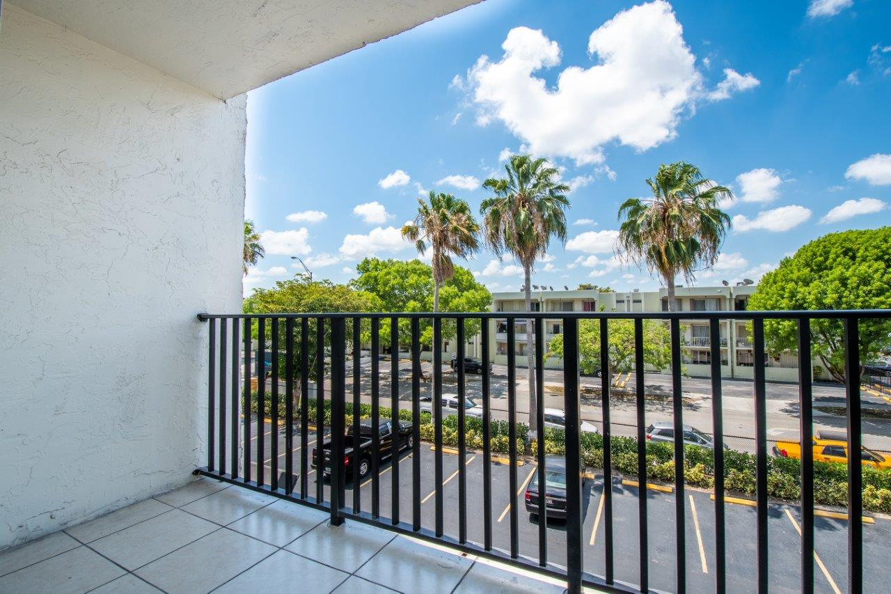 Zoom Gallery Todel Apartments property Image #8