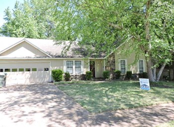 7132 Shadow Oak 3 Beds House for Rent Photo Gallery 1