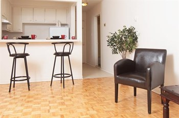 20 & 52 Bayswater Place Studio-2 Beds Apartment for Rent Photo Gallery 1