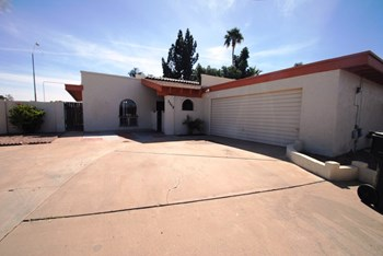 3115 w Becker LN 4 Beds House for Rent Photo Gallery 1