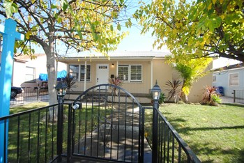 5416 Pimenta Ave 3 Beds House for Rent Photo Gallery 1