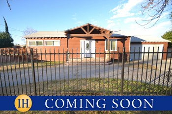 20845 Chase St. 3 Beds House for Rent Photo Gallery 1
