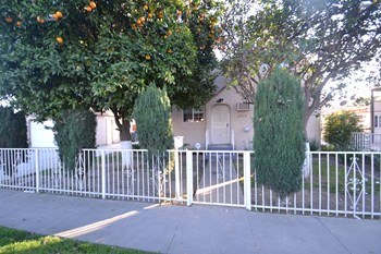 3114 Josephine St. 2 Beds House for Rent Photo Gallery 1