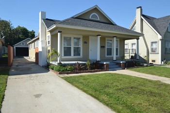 5747 6th Ave 3 Beds House for Rent Photo Gallery 1
