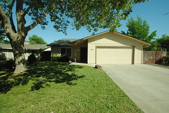 6819 Speckle Way 4 Beds House for Rent Photo Gallery 1